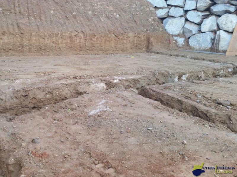 Cimientos y movimientos de tierra para una vivienda
